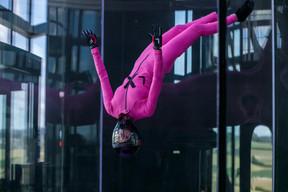 MagaliBraff, co-gérante, mais aussi passionnée de chute libre. ((Photo: Matic Zorman / Maison Moderne))