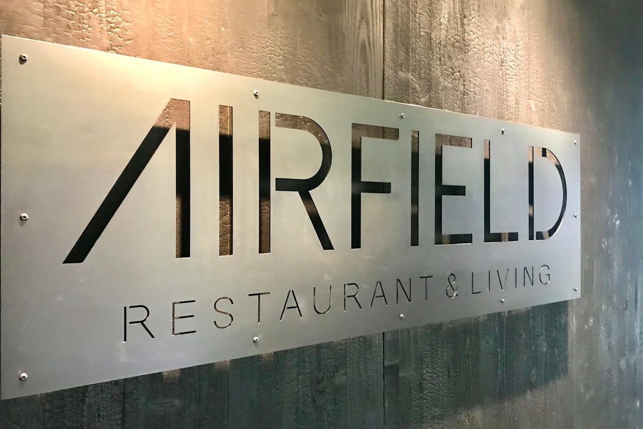 Un cadre contemporain et une cuisine qui tient la route, à quelques pas de l'aéroport: l'Airfield a quelques atouts en poche! (Photo: Maison Moderne)