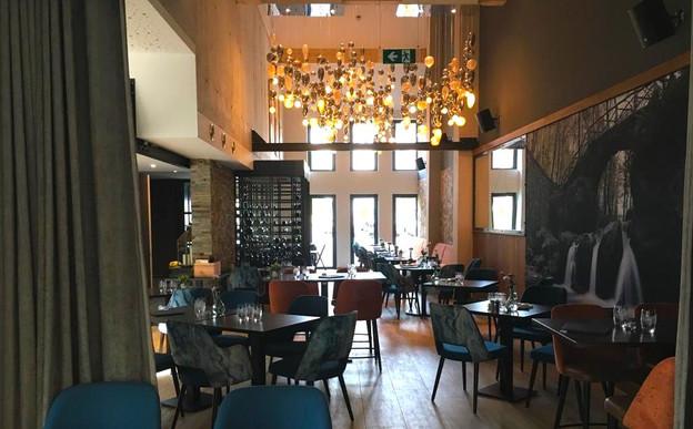La Brasserie O' s'est dotée d'un cadre contemporain chaleureux et convivial pour servir ses clients midi comme soir. (Photo: Brasserie O')