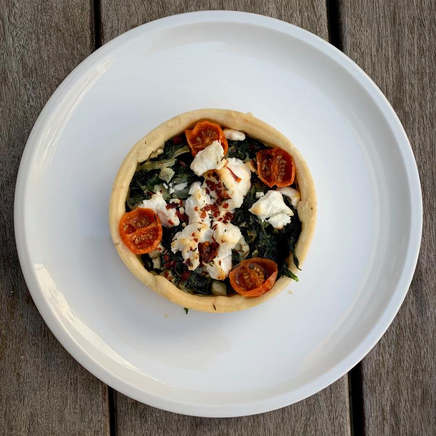 Cereal Lovers propose deux quiches à réchauffer pour les repas livrés: lorraine et épinards-chèvre. Maison Moderne
