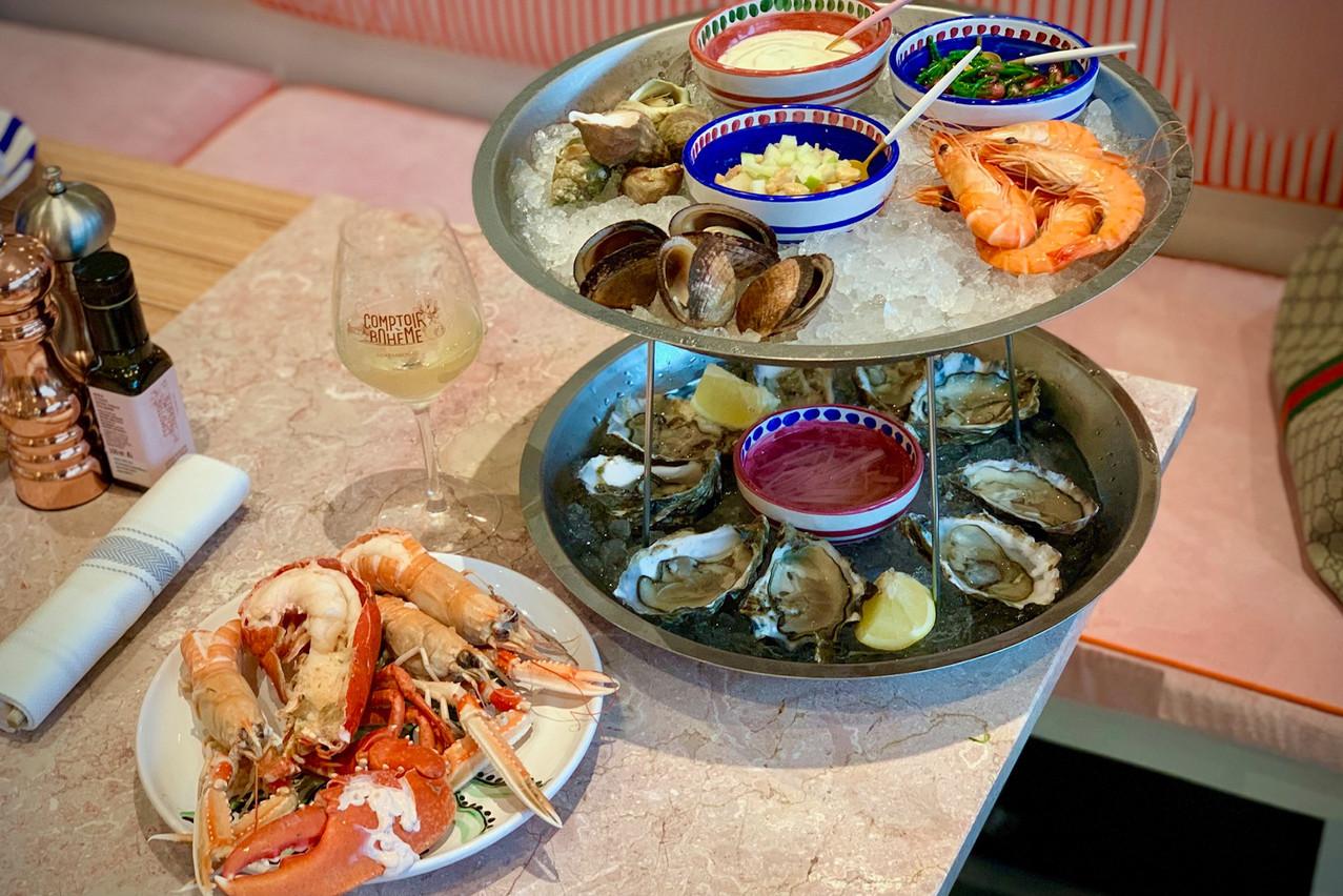 Le plateau de fruits de mer «Formentera» est accompagné de crustacés cuits minute, dont un demi-homard breton… (Photo: Maison Moderne)