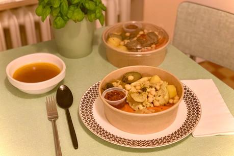 Emballage en carton, sauce et harissa servies à part, et surtout, un vrai bon couscous: la formule «Couscous Love» en livraison du nouveau restaurant Dune a de nombreux atouts, tant gourmands que responsables. (Photo: Maison Moderne)