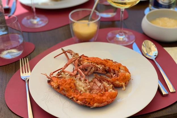 Le homard breton et son beurre de corail, un immanquable au barbecue étoilé des Jardins d'Anaïs, à Clausen. (Photo: Maison Moderne)