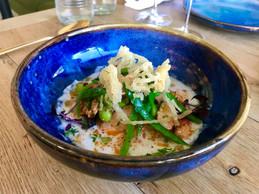 Le ceviche «Summer Lobster»:fruit de la passion, coco, coriandre, baies roses, fèves et pois gourmands. (Maison Moderne)