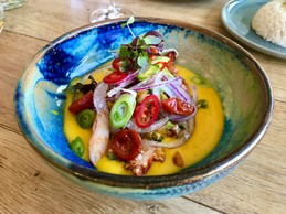 Le ceviche «Mangolicious Lobster»:mangue, avocats, oignons rouges, concombre, citron vert et tamarillo . (Maison Moderne)