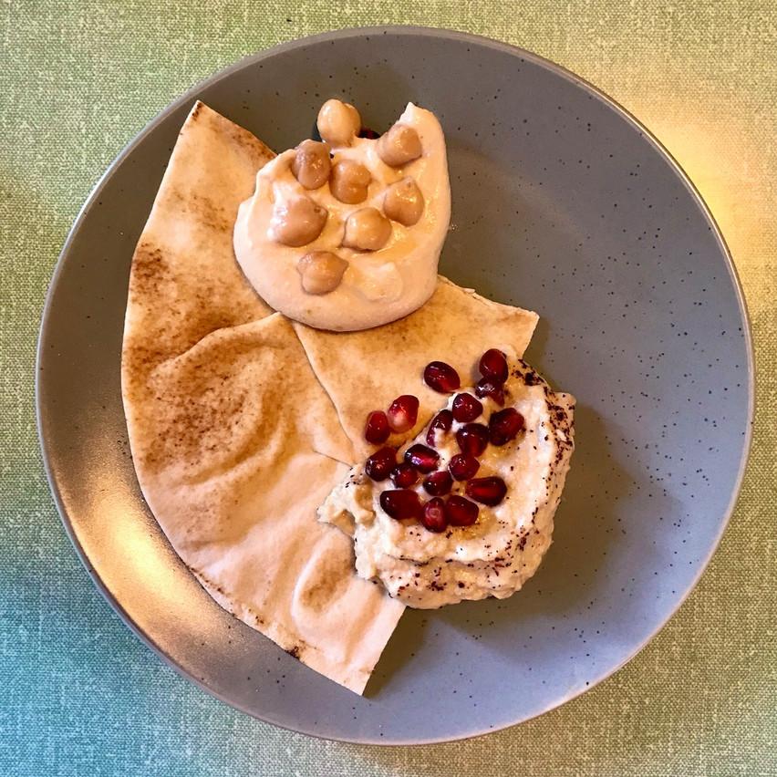 Pour bien démarrer un test Kitchen Leb: un combo moutabal-houmous épicé qui fait franchement plaisir! Maison Moderne