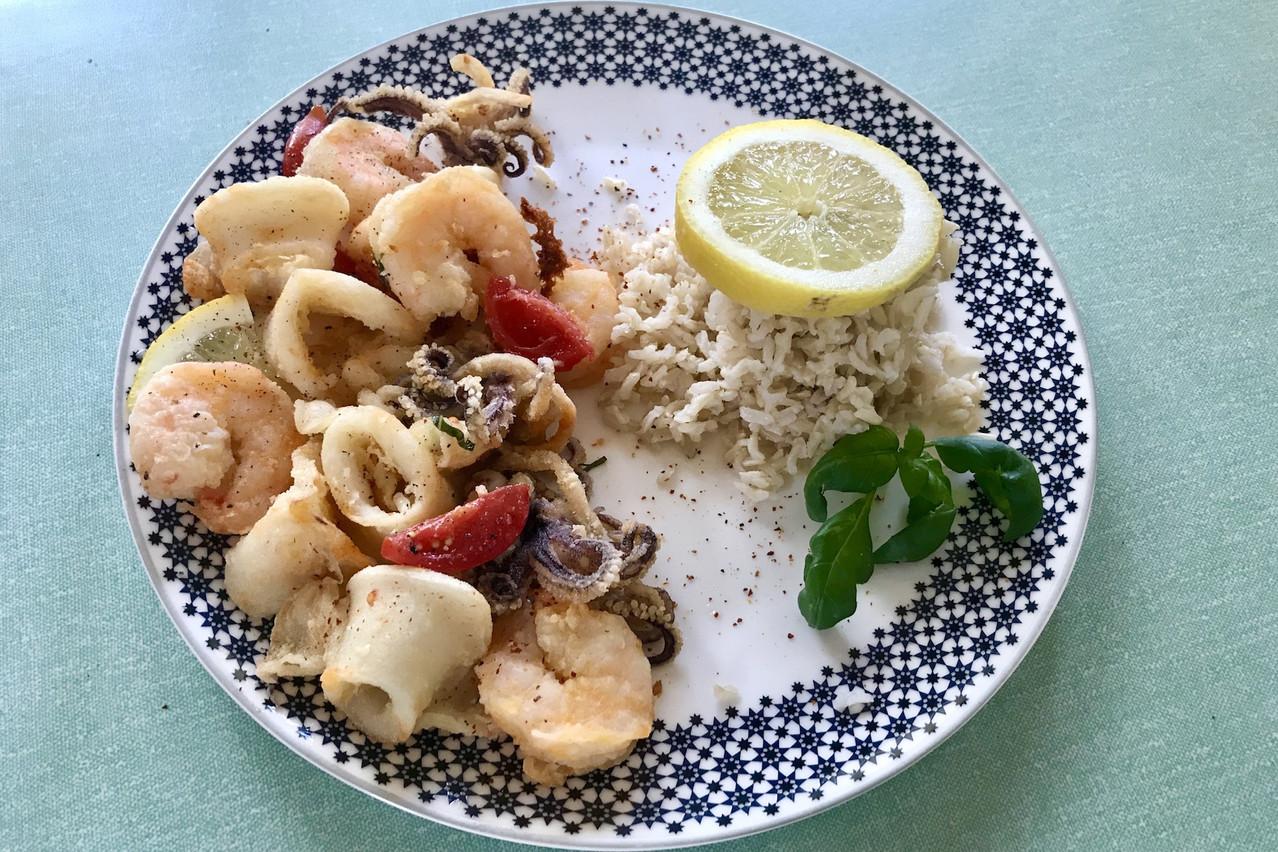 Scampis, calamars et encornets pour une «frittura di mare» qui sent bon l'été! (Photo: Maison Moderne)