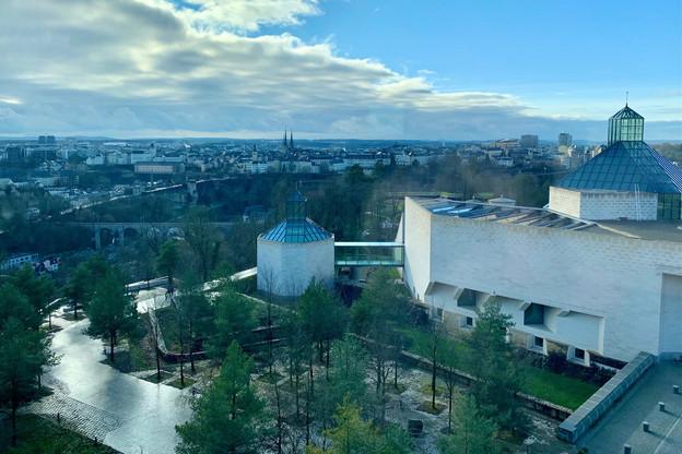 Atout indéniable du Meliá Luxembourg pour un réveillon réussi: une vue imprenable sur la capitale luxembourgeoise… (Photo: Maison Moderne)