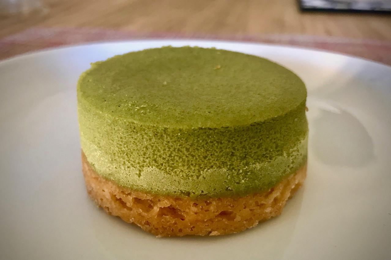En dessert pour la collab' Manzoku X Grouplunch: des mochis, ou un cheesecake au thé vert qui fait le boulot... Maison Moderne
