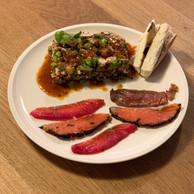 Assortiment de poissons gravlax, salade de quinoa du jour et brie à la truffe, dechez Olivia Cliquet, à Belair. (Maison Moderne)