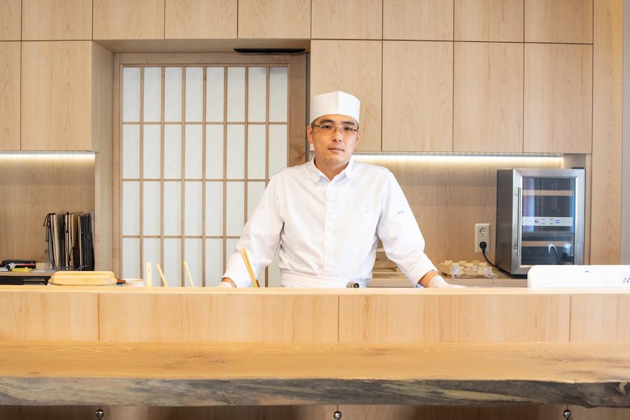 Le jeune chef Ryôdô Kajiwara, Découverte de l'année 2021 Gault&Millau. Maison Moderne