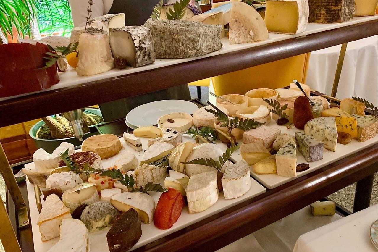 Impossible de choisir soi-même ce dont on a envie sur le plateau de fromages du Postkutsch. Ça tombe bien, le personnel est d'excellent conseil! (Photo: Maison Moderne)