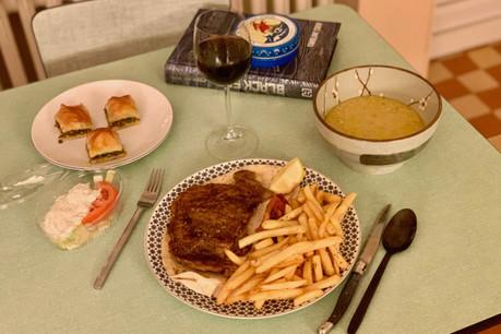 Mention spéciale pour la soupe de lentilles et les baklavas maison de Telio, la nouvelle (bonne) surprise du centre-ville. (Photo: Maison Moderne)