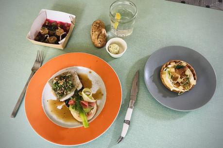 Le menu«Bib de la semaine» à emporter du chef BaptisteHeugens permet de passer un vrai moment gastronomique à la maison… (Photo: Maison Moderne)