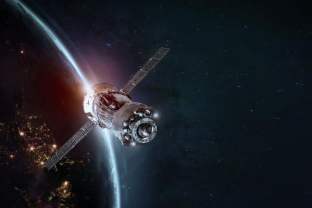 À partir du quatrième trimestre, l'entreprise OneWeb prévoit de lancer plus de 30 satellites par mois pour atteindre son objectif de couverture mondiale. (Photo: Shutterstock)