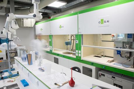 Le nouveau centre de R&D d'Ocsial, à Foetz, vise à rendre les véhicules plus intelligents ou économes en énergie. (Photo: Ocsial)