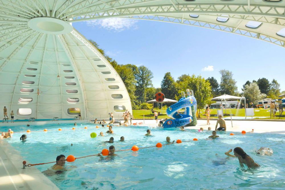 La piscine au toit rétractable du camping Birkelt. (Photo: Birkelt/Luxembourg for Tourism)