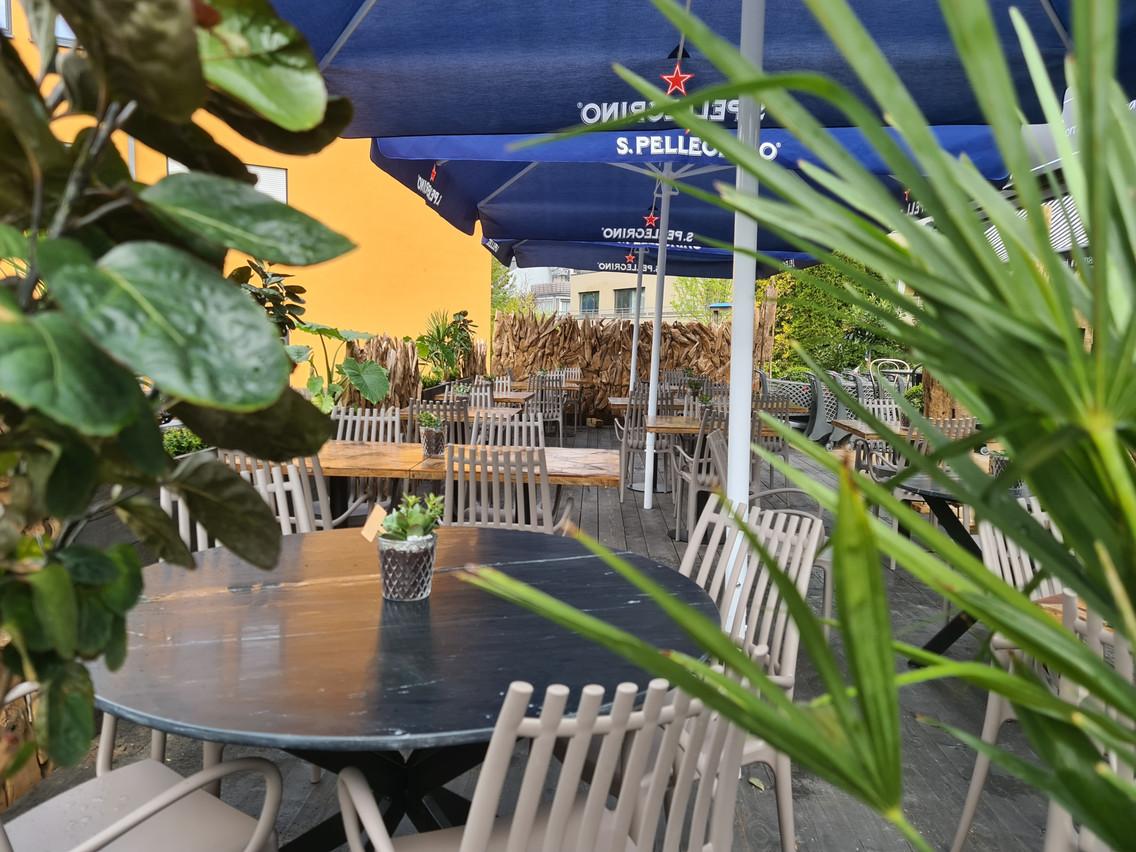 À l'arrière du Mercato, bien au calme, une jolie terrasse… (Photo: Vincent Pattyn)