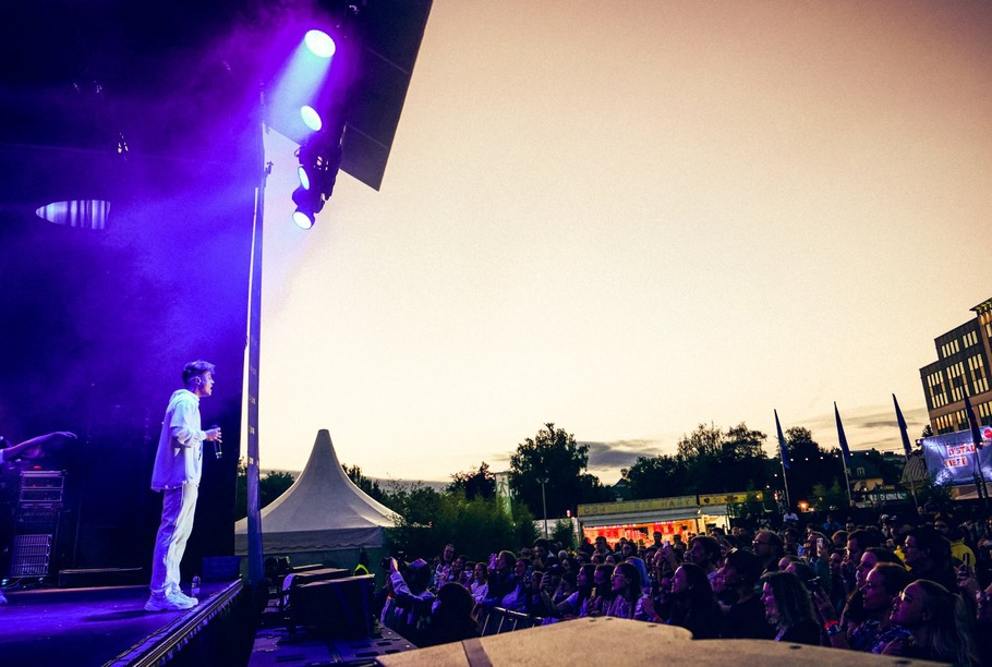 Loïc Nottet performed in front of 300 to 400 people at the Glacis on 9 August as part of City Sounds. (Photo: VDL/Tom Jungbluth)