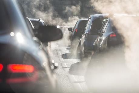 La vente de carburant aux routiers en transit, aux frontaliers et aux touristes à la pompe représente, à elle seule, 1,75planète. (Photo: Shutterstock)