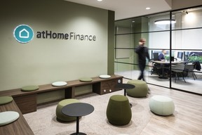 Petites entreprises – atHome Finance ((Photo: Blitz Agency))