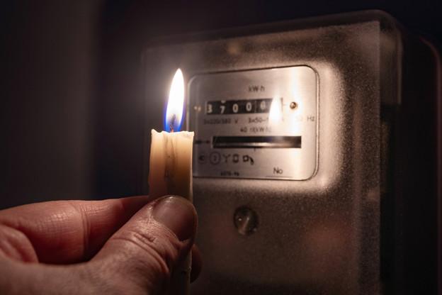 Une demi-heure en 2004, une à deux heures en 2006: les pannes de courant qui ont touché le Luxembourg ne sont pas si nombreuses. Mais elles invitent les autorités européennes à mieux coordonner l'ensemble, y compris l'attitude des clients des fournisseurs. (Photo: Shutterstuck)