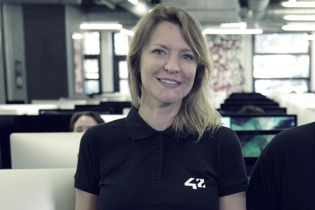 Un an après son arrivée à 42, SophieViger a élargi le public cible et œuvré sans relâche pour que les jeunes femmes intègrent l'école de développeurs. (Photo: École 42)