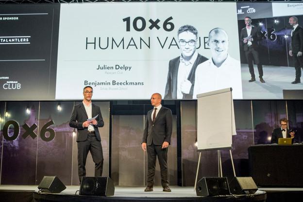 Julien Delpy, le directeur du Paperjam Club, et Benjamin Beeckmans, le responsable du projet pour la Solvay Brussels School of Economics & Management, étaient venus présenter le MBA Essentials lors du 10x6 Human Value, le 30 mai 2018. (Photo: Archives Maison Moderne)