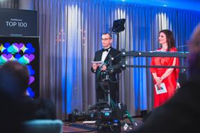 Jim Kent et Nathalie Reuter (Maison Moderne), animateurs de la soirée. ((Photo: Simon Verjus/Maison Moderne))