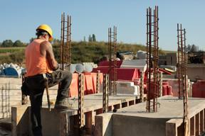 Pour réaliser le chemin sur pilotis, des constructions un peu plus importantes sont nécessaires. ((Photo: Matic Zorman/Maison Moderne))