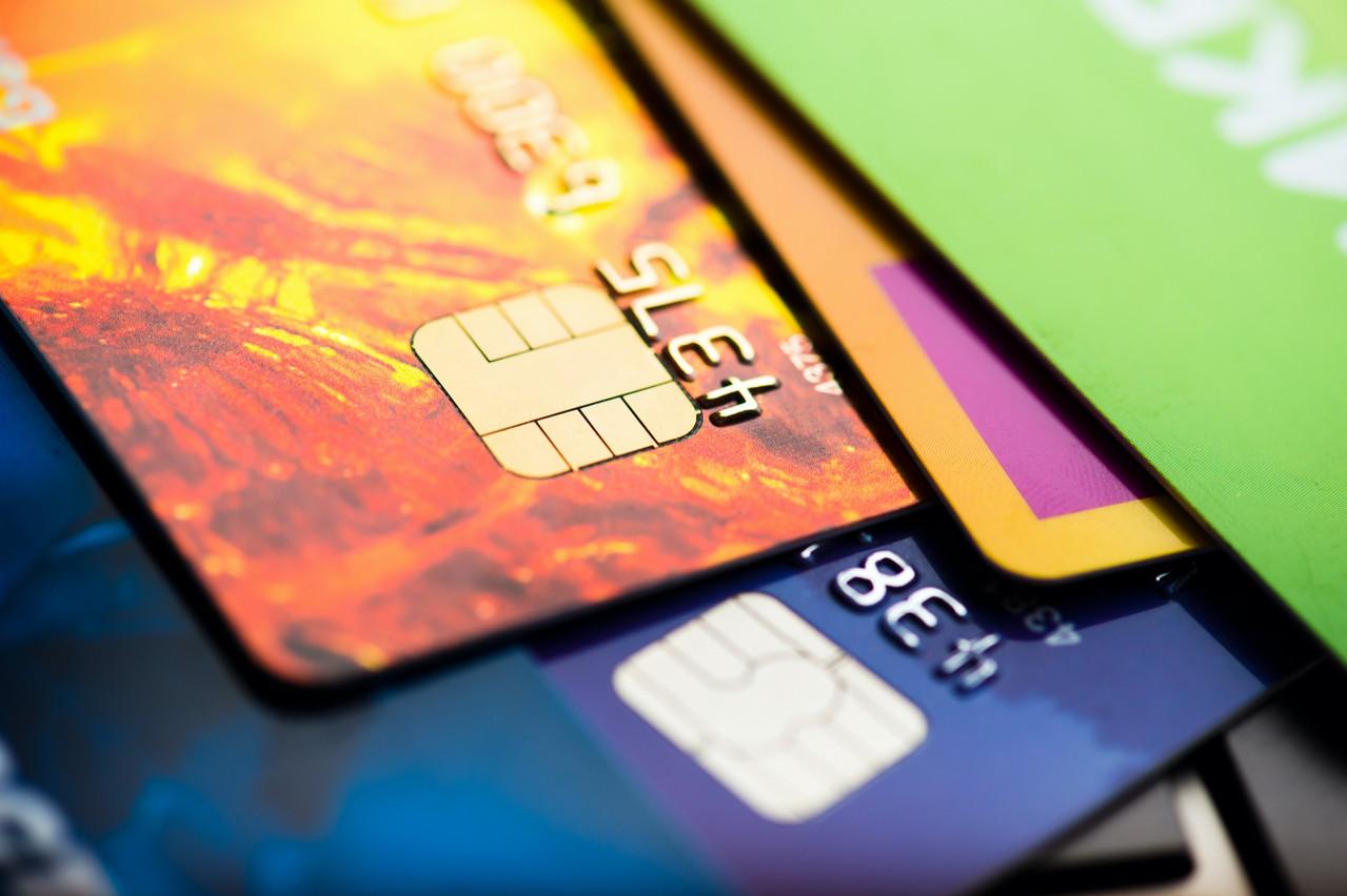 Selon la Banque centrale du Luxembourg, un peu plus de 4,2millions de cartes bancaires sont en circulation depuis décembre dernier. (Photo: Shutterstock)
