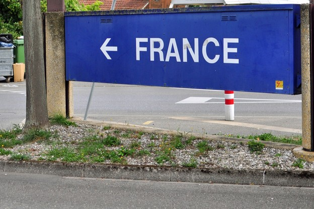 Aller en France? Ce ne sera pas possible avant le 15 juin, au moins. (Photo: Shutterstock)