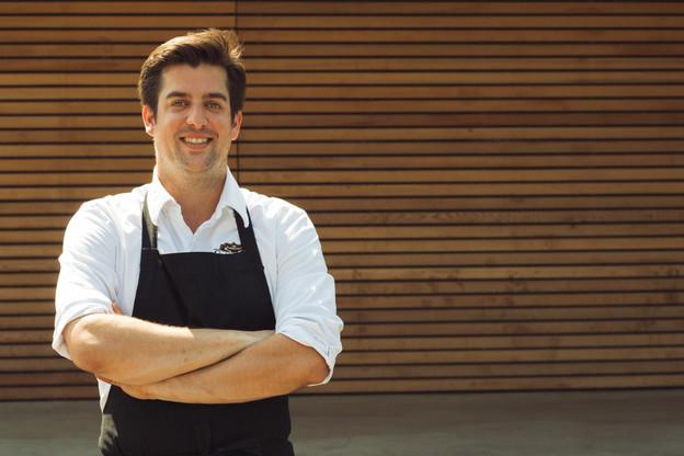 Fränk Manes est aux commandes du Gudde Maufel à Eischen et du Wax à Pétange, où il insuffle un enthousiasme renouvelé dans ses plats à emporter, notamment avec un nouveau menu du samedi… (Photo: Sébastien Goossens / Maison Moderne)
