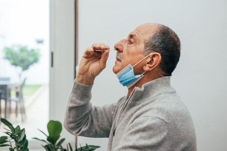 Le gouvernement annonce des tests antigéniques en entreprise, même si les modalités restent à définir. (Photo: Shutterstock)