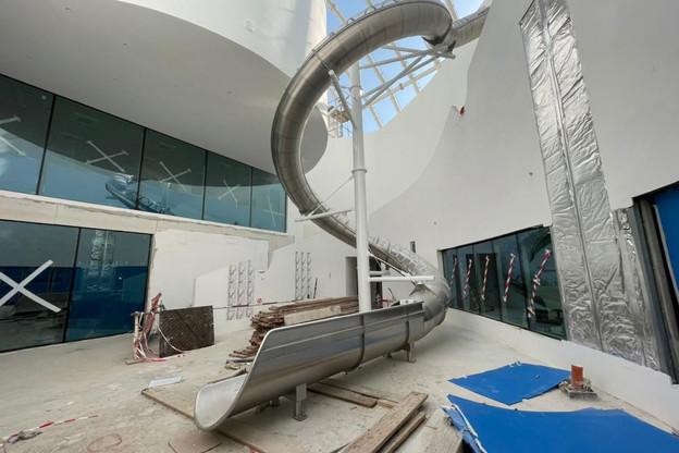 L'intérieur du pavillon luxembourgeois commence à prendre forme, et le toboggan est installé. (Photo: Nüssli Group)