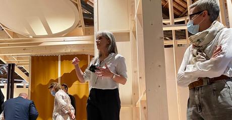 Sara Noel Costa de Araujo (au centre) a conçu l'exposition du pavillon luxembourgeois à la Biennale d'architecture de Venise 2021. (Photo: Paperjam.lu)