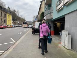 Au 128, rue de Neudorf, le grossiste The Butcher accueillait quelques clients venus l'aider à déstocker sa viande. ((Photo: Paperjam))