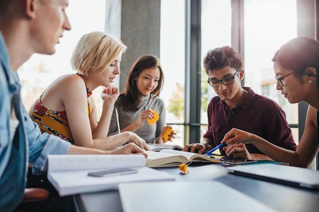 L'éducation va continuer son évolution pour être plus flexible et se diriger davantage vers le terrain professionnel. (Photo: Shutterstock)