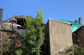 Un toit complètement éventré. ((Photo: Paperjam))