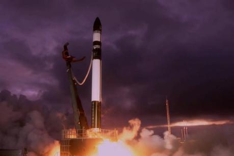 Une fusée Electron (ici, la mission précédente à la mi-juin) n'a pas pu mettre les sept satellites en orbite suite à un problème de moteur. (Photo: Rocket Lab)