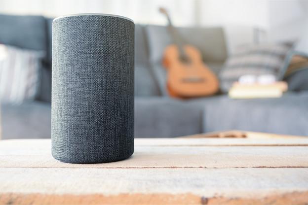 Amazon a annoncé l'arrivée d'une nouvelle commande vocale permettant d'effacer facilement l'historique des demandes faites dans la journée à Alexa. (Photo: Shutterstock)