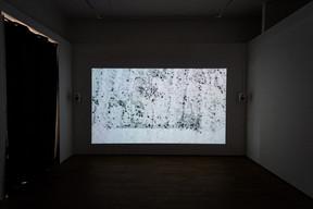 Vue de la vidéo  «L'image extractive» , 2021, de Daphné Le Sergent présentée au Casino Luxembourg.  ((Photo: Mike Zenari))