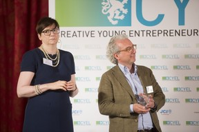 remise-du-prix-cyel-creative-young-entrepreneur-of-the-year-19.jpg