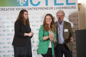 remise-du-prix-cyel-creative-young-entrepreneur-of-the-year-20.jpg