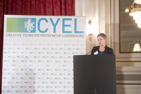 remise-du-prix-cyel-creative-young-entrepreneur-of-the-year-8.jpg