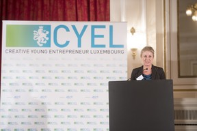 remise-du-prix-cyel-creative-young-entrepreneur-of-the-year-9.jpg