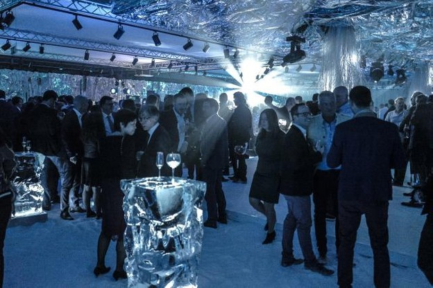 2018_12_13_docler_ice_party_22.jpg