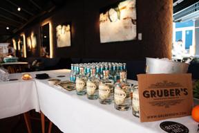 gin_club_launch02.jpg