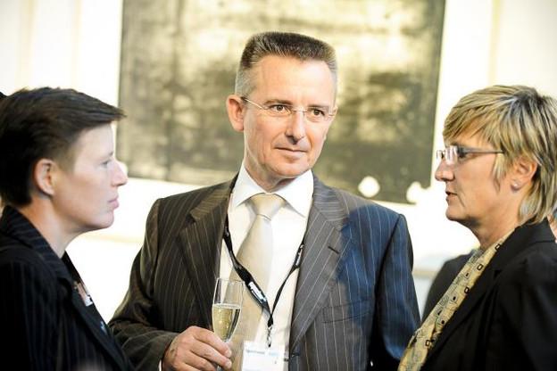 table-ronde-fonds-dinvestissement---jeudi-28-avril-2011.jpg