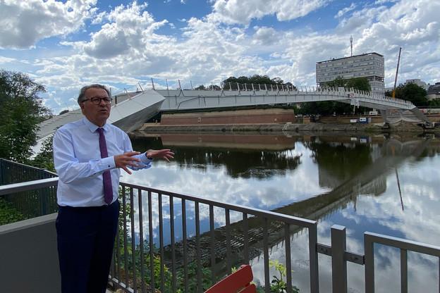 Pour le maire de Thionville, PierreCuny, l'ouverture, à l'automne, de la passerelle sonnera comme le lancement de la construction de nouveaux logements le long de la Moselle, mais côté gare. (Photo: Paperjam)